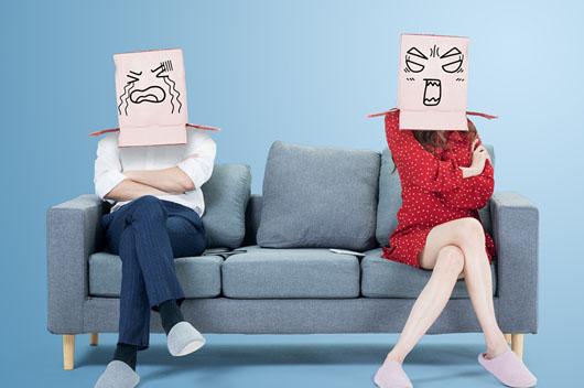 对外人笑嘻嘻,却对家人摆臭脸的生肖