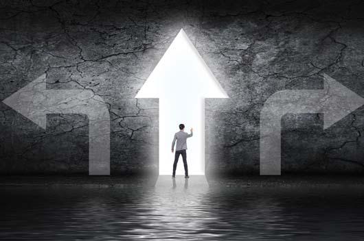 上班?创业?哪条路更适合你?能否平步青云