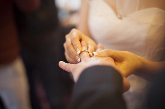 你与多少岁的人结婚,婚姻会更幸福稳定